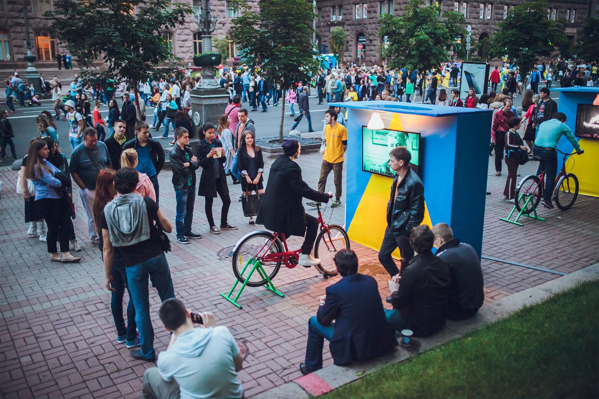 Баннер бренд волл для компании Lifecell, услуга или аренда. Киев, Украина. Компания Эквиптайм