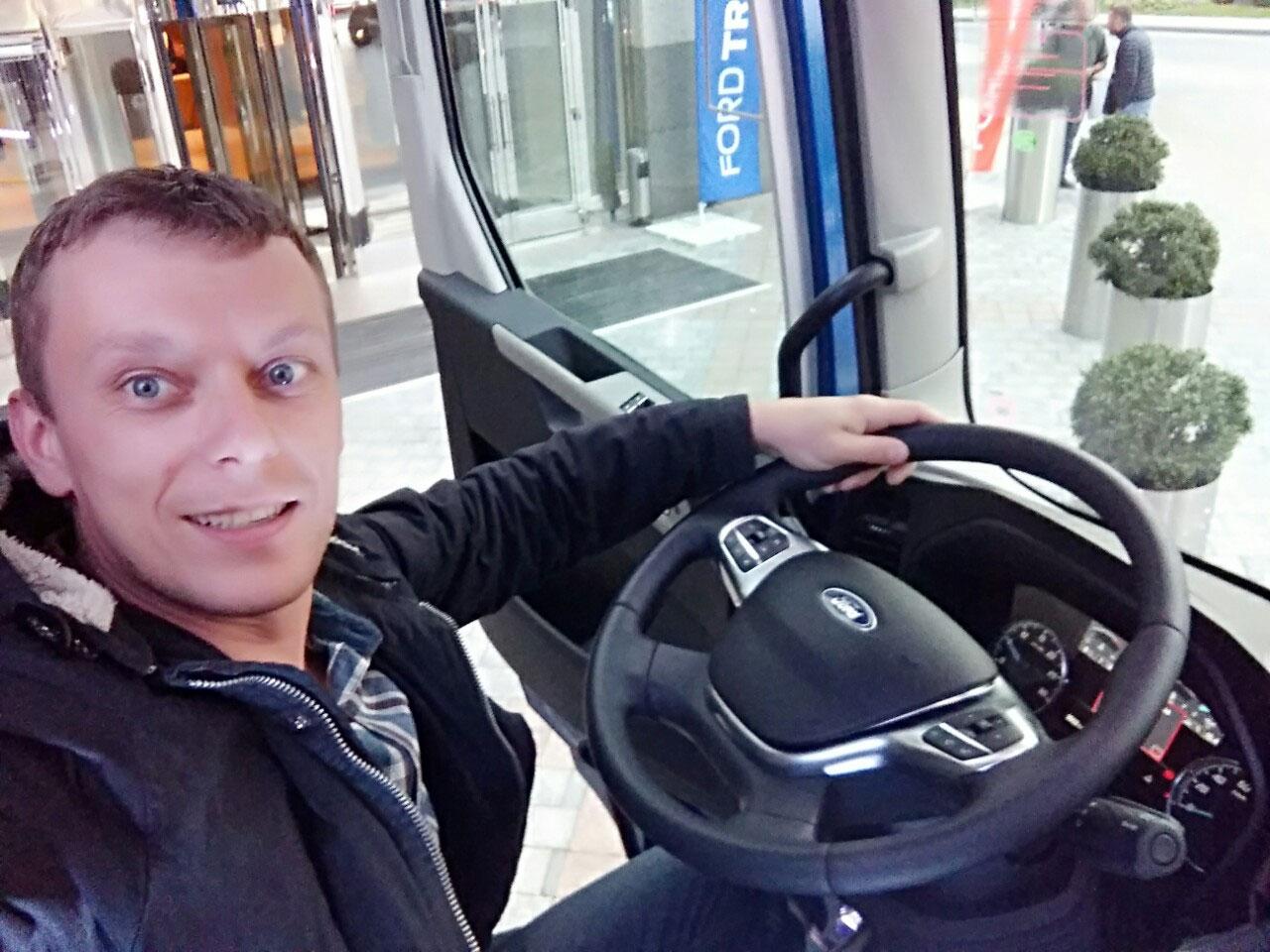 Оборудование для технического сопровождения презентации новых тягачей Ford, услуга или аренда. Киев, Украина. Компания Эквиптайм