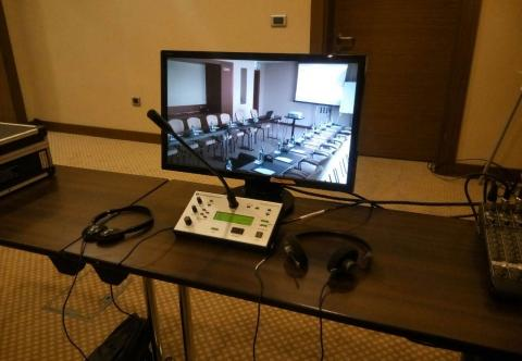 Организация синхронного перевода. Аренда оборудования для синхронного перевода Киев Украина